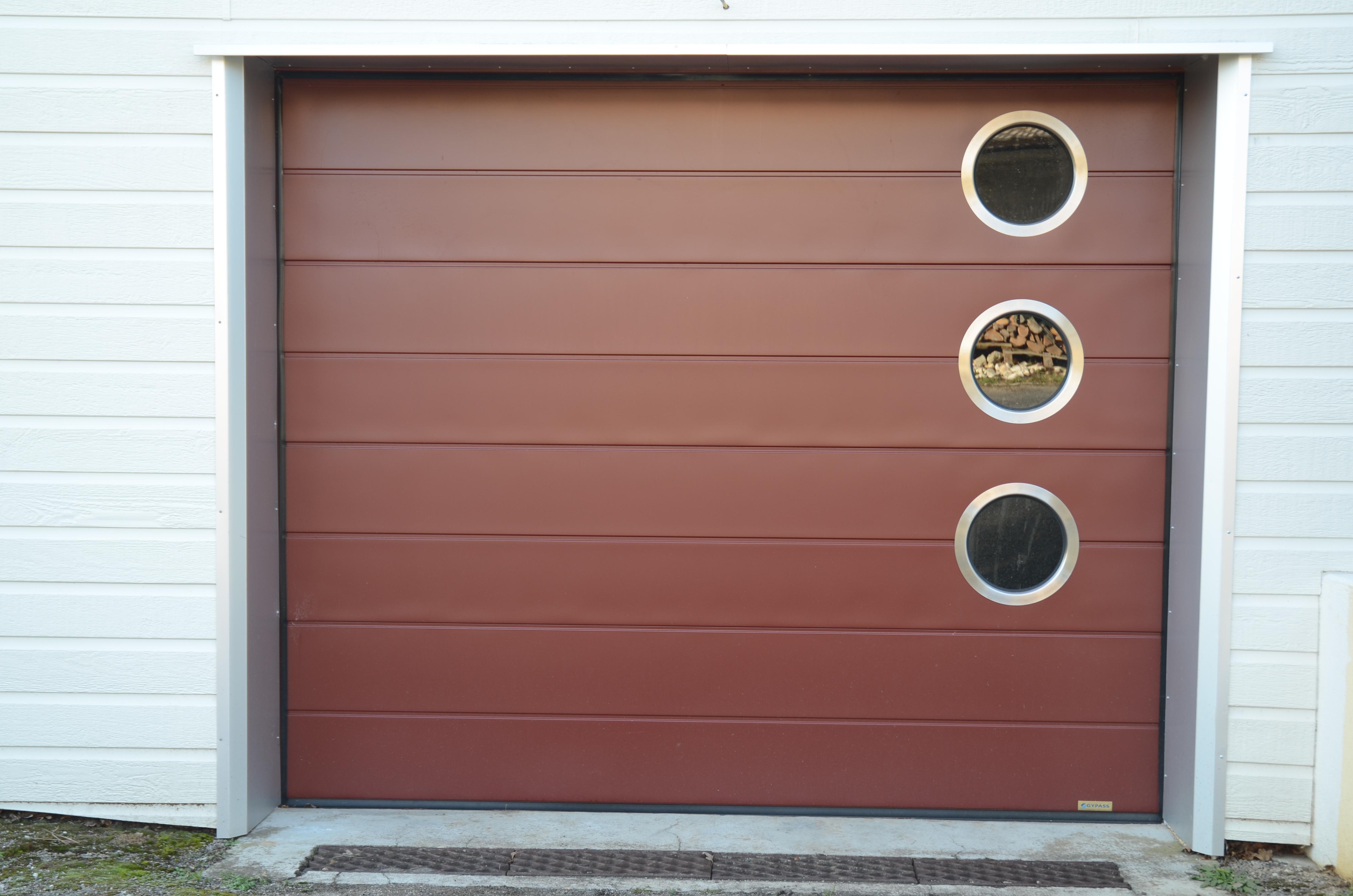 Porte de garage contact fermetures - Porte sectionnelle avec portillon tarif ...